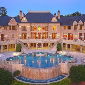 Inside California's $1,000,000,000 Mansions